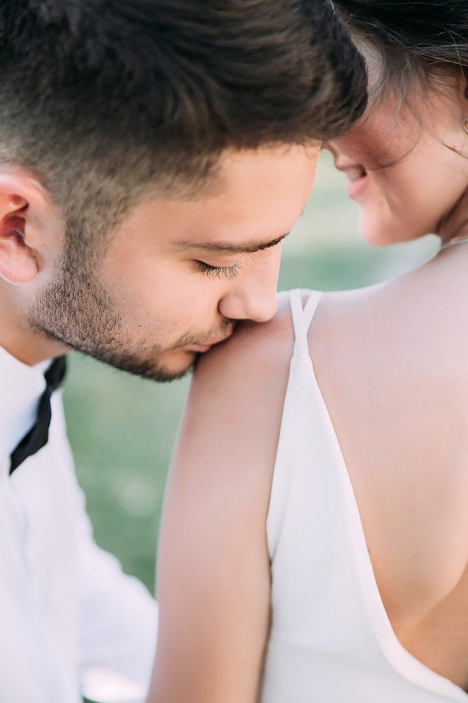 portrait, wedding, kiss