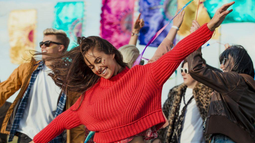 girl-dancing-at-concert, dance incubation