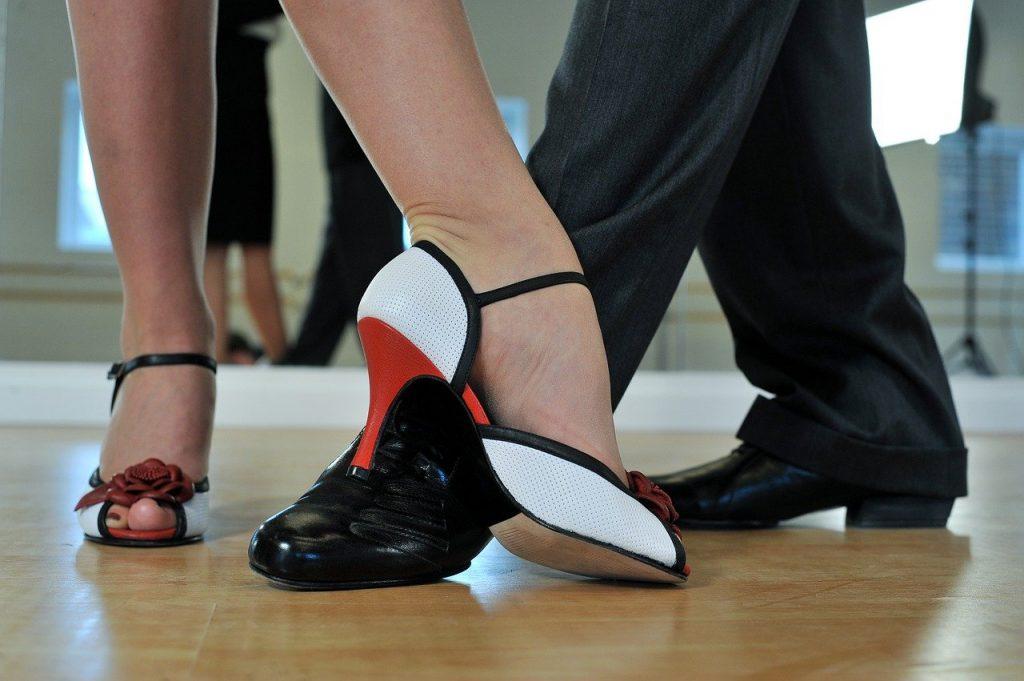 argentine tango, feet, dancers